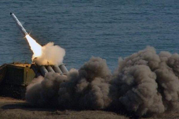 Quân đội Nga dùng hệ thống tên lửa Bastion bắn thẳng vào biên giới NATO