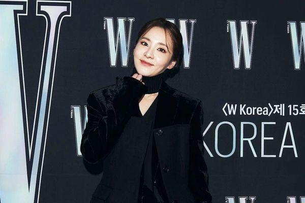 Park Min Young bị chê mặt đơ, mặc đồ xấu