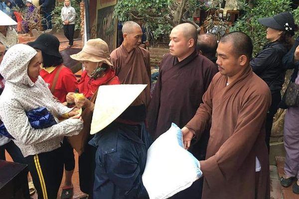 Các chùa ở Nghệ An, Hà Tĩnh chia sẻ với vùng ngập lũ