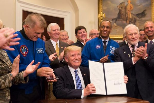 Năm tác động lớn nhất của Tổng thống Donald Trump đối với chương trình không gian của Mỹ