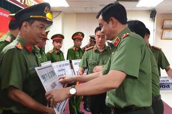 TPHCM: Thưởng nóng các đơn vị phá đường dây vận chuyển 100kg ma túy