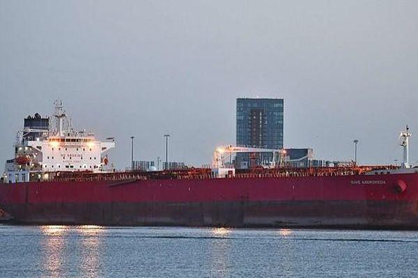 Đặc nhiệm Anh giải cứu thủy thủ đoàn tàu chở dầu bị khống chế trên biển Manche