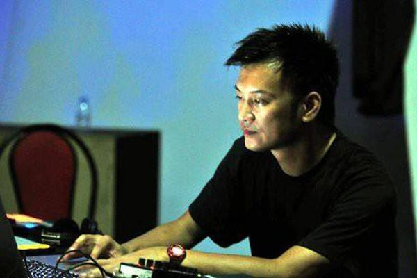 DJ Trí Minh 'song đôi' cùng nghệ sĩ đàn bầu Trà My
