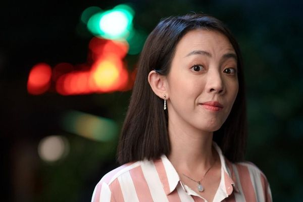 'Tiệc trăng máu' vẫn đang sốt ngoài rạp, Thu Trang đã rục rịch quay lại với 'Chị Mười Ba'