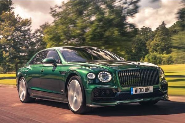 Bentley Flying Spur 2020 hoàn toàn mới, phong cách limousine bốn cửa đầu tiên tại Việt Nam