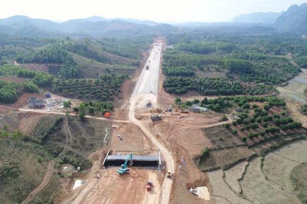Loạt 'ông lớn' trúng thầu làm cao tốc Bắc - Nam đoạn Mai Sơn - Quốc lộ 45
