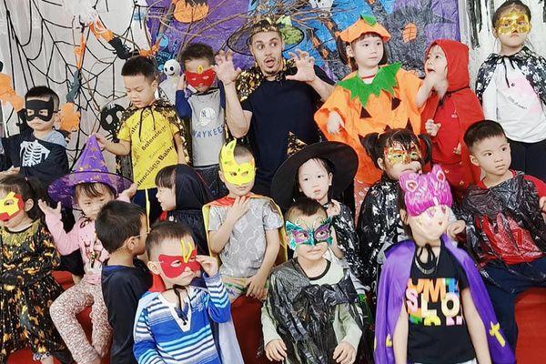 Hà Nội: Trải nghiệm lễ Halloween tại trường Mầm Non Hoa Hướng Dương