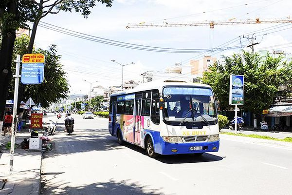 Phát triển vận tải hành khách công cộng: Còn nhiều khó khăn