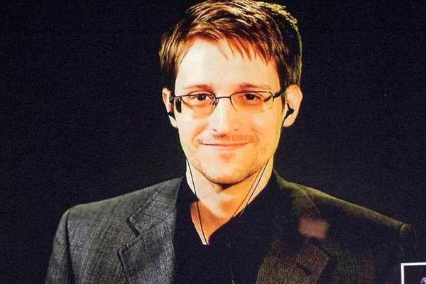Snowden sắp lên chức cha, em bé sẽ được nhập quốc tịch Nga
