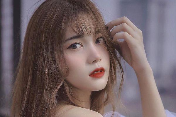 Hot girl Hà thành: 'Hãy kiếm tiền trước sự già đi của bố mẹ'