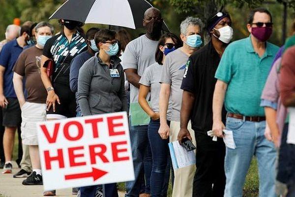 Kỷ lục hơn 80 triệu cử tri Mỹ đi bỏ phiếu bầu Tổng thống sớm