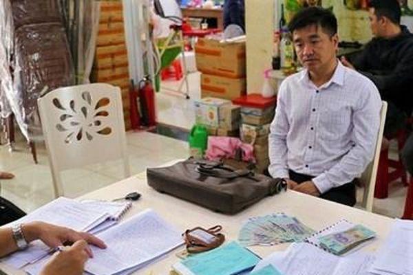 Truy tố cán bộ thuế nhận tiền 'bồi dưỡng' của cơ sở kinh doanh
