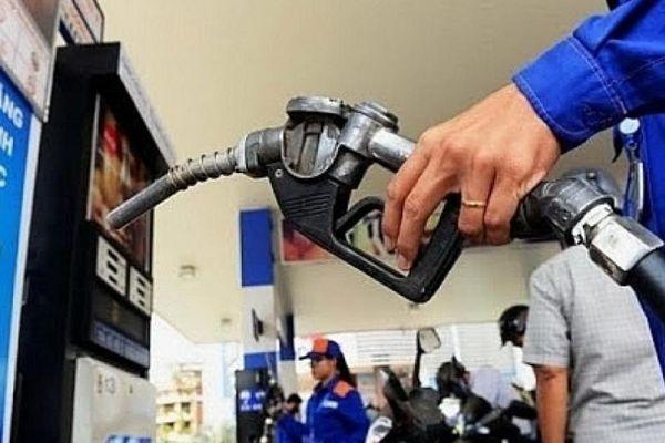 Giá xăng dầu hôm nay 30/10: Giảm chưa từng có