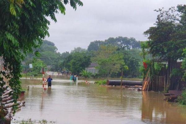 Nghệ An: 4 người chết và mất tích do mưa lũ