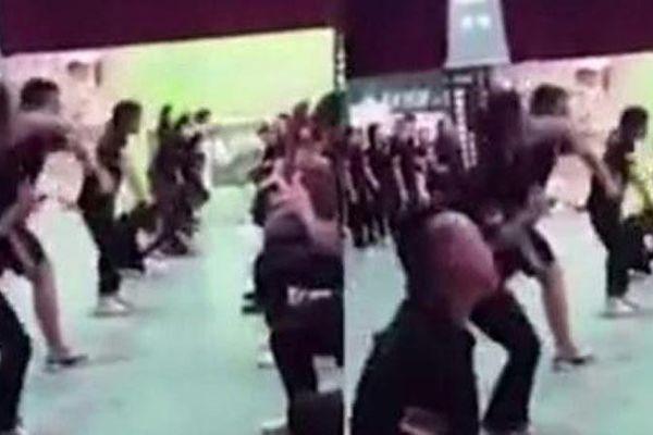 Huấn luyện doanh nghiệp ở Trung Quốc, nhân viên quỳ tự tát vào mặt