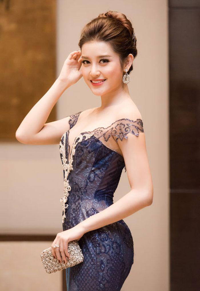 Á hậu Huyền My nỗ lực chuẩn bị cho cuộc thi Hoa hậu Hòa bình thế giới