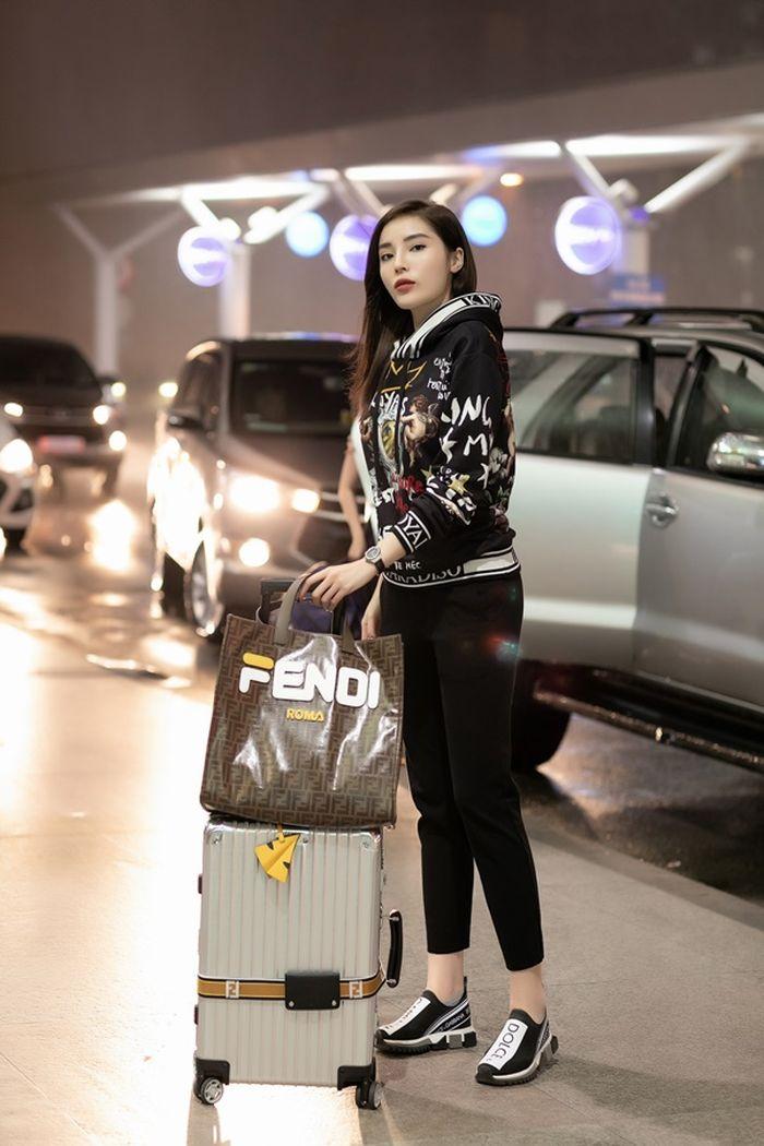 Kết quả hình ảnh cho hoa hậu kỳ duyên sân bay 2018