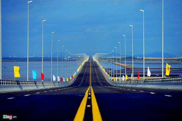 Báo Zing: Cầu vượt biển dài nhất Việt Nam tên là gì?