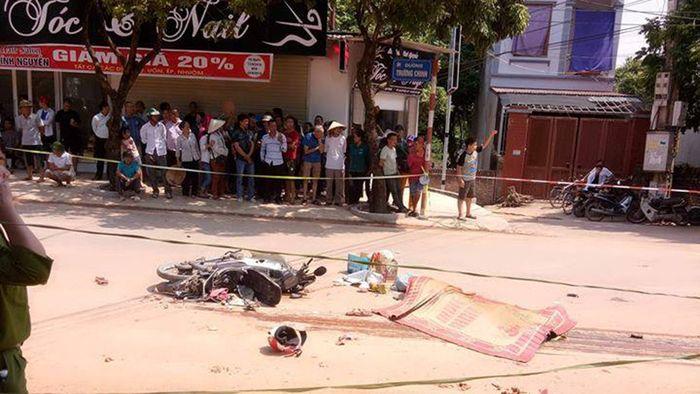 Báo Thanh Niên: Va chạm với xe tải, 2 vợ chồng tử vong trên đường đi bốc thuốc