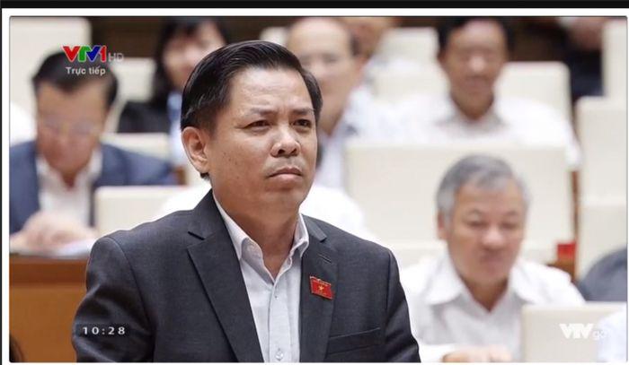 Báo Pháp Luật Plus: ĐBQH chất vấn cao tốc 34.000 tỷ chậm GPMB: Bộ trưởng Bộ GTVT nói... tiền đã có