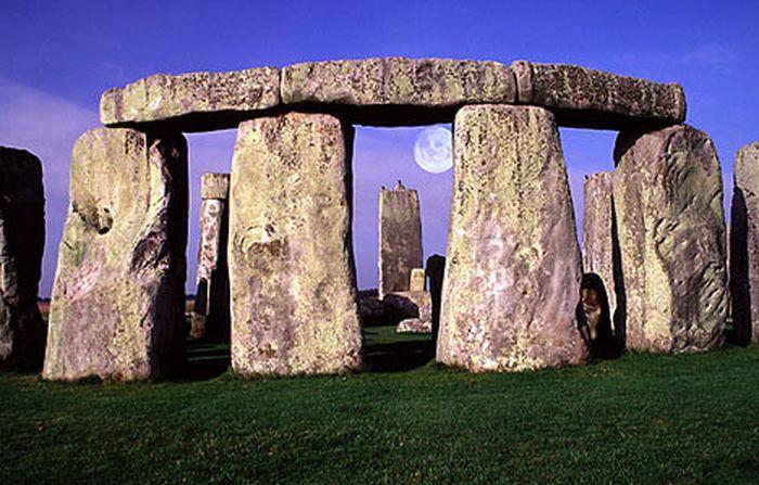 Bí ẩn vòng tròn đá Stonehenge chưa có lời giải