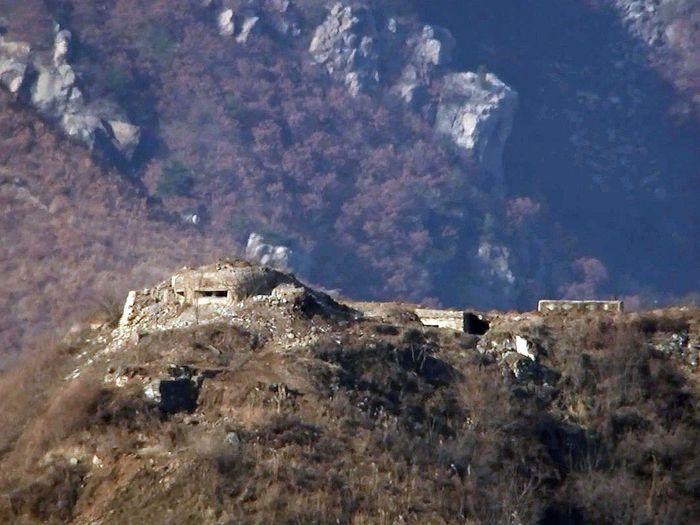 Một chốt gác của Triều Tiên đã bị phá hủy. (Ảnh: Internet)