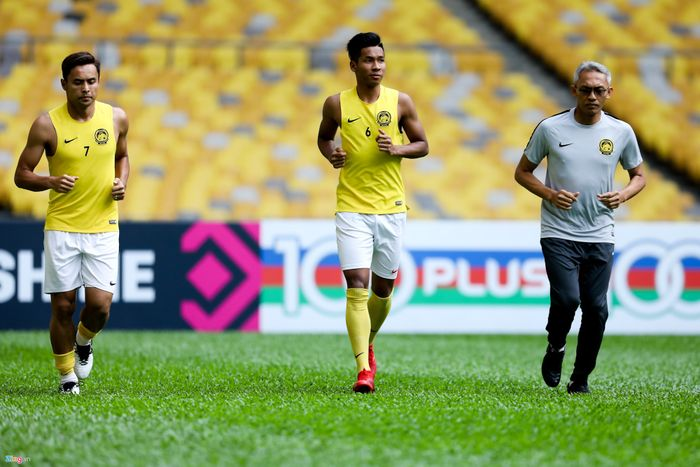 Hậu vệ Malaysia muốn đánh bại tuyển Việt Nam để tặng quà cho vợ Hậu vệ Malaysia muốn đánh bại tuyển Việt Nam để tặng quà cho vợ