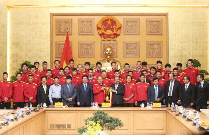 Image result for Thủ tướng gặp mặt Đội tuyển Việt Nam. Ảnh: VGP/Quang Hiếu