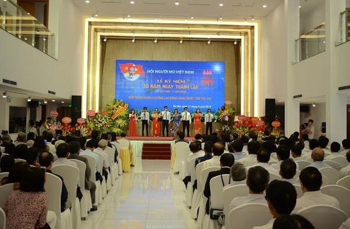 Hội người mù Việt Nam kỷ niệm 50 thành lập, đón nhận Huân chương Lao động hạng Nhất