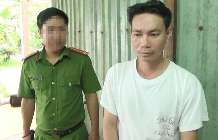 Báo Người Đưa Tin: Đánh con trai 9 tuổi, người cha bị công an bắt giam