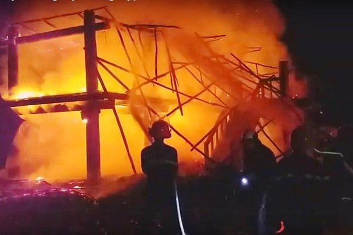 Báo Văn Hoá: Kon Tum: Nhà rông truyền thống huyện Đắk Hà cháy rụi