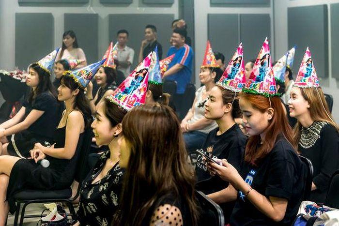 Minh Hằng Kh 243 C Hết Nước Mắt Trong Buổi Sinh Nhật Khởi