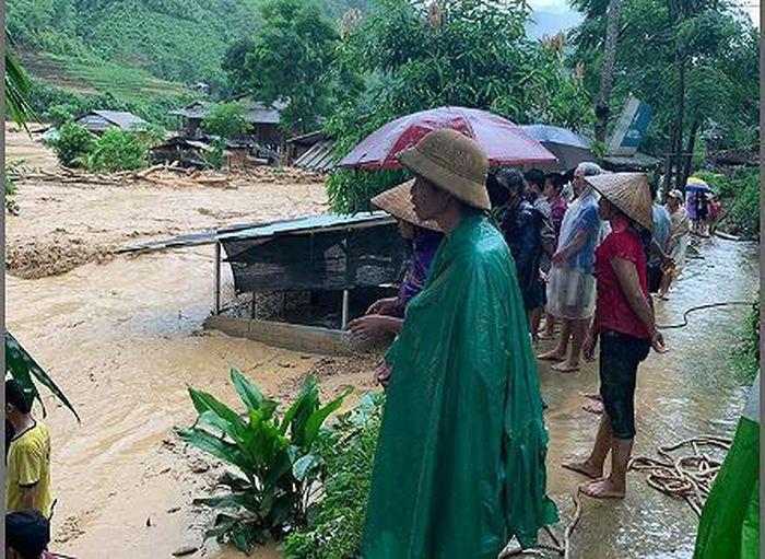 Báo Infonet: Lũ quét tàn phá các tỉnh miền núi phía Bắc, 3 người mất tích