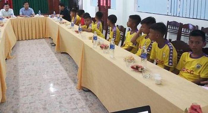 Báo Dân Sinh: Đội bóng đá trẻ em có hoàn cảnh đặc biệt của Hà Tĩnh giành quyền vào vòng chung kết quốc gia