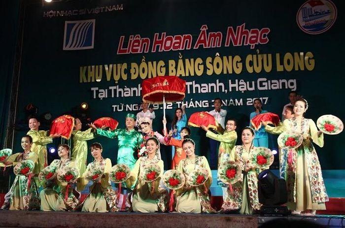 Báo Hà Nội Mới: Liên hoan âm nhạc khu vực Đồng bằng sông Cửu Long 2019