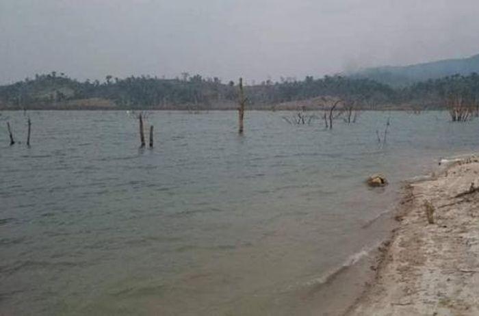 Báo Dân Sinh: Kon Tum: Lật phà chở gỗ trên sông Sê San