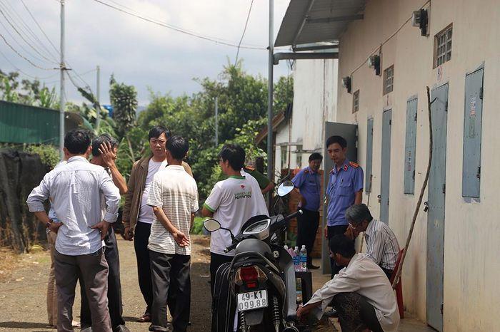 Báo Thanh Niên: Án mạng đau lòng, chồng giết vợ trước mặt con gái: Vừa rút đơn ly dị