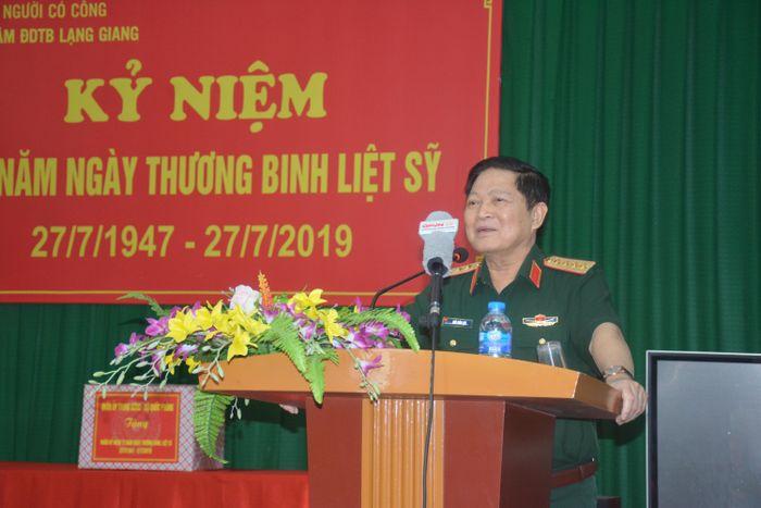 Báo QĐND: Bộ trưởng Bộ Quốc phòng Ngô Xuân Lịch thăm và làm việc tại tỉnh Bắc Giang