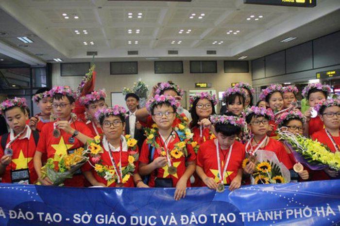 HS Hà Nội đạt thành tích cao tại IMSO 2018.