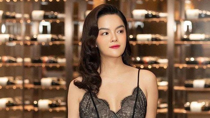 Phạm Quỳnh Anh 'lột xác' sau ly hôn hay phụ nữ chỉ đẹp khi một mình?
