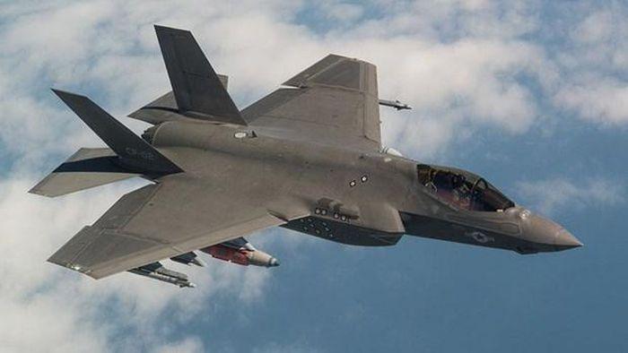 Bo Ngoai giao My chap thuan thuong vu ban F-35 cho Ba Lan