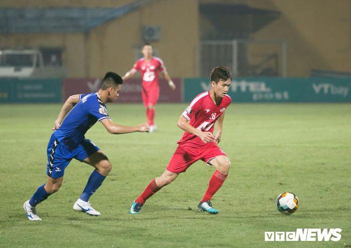 Tân binh tuyển Việt Nam chấn thương, bỏ ngỏ khả năng tập trung đấu Malaysia