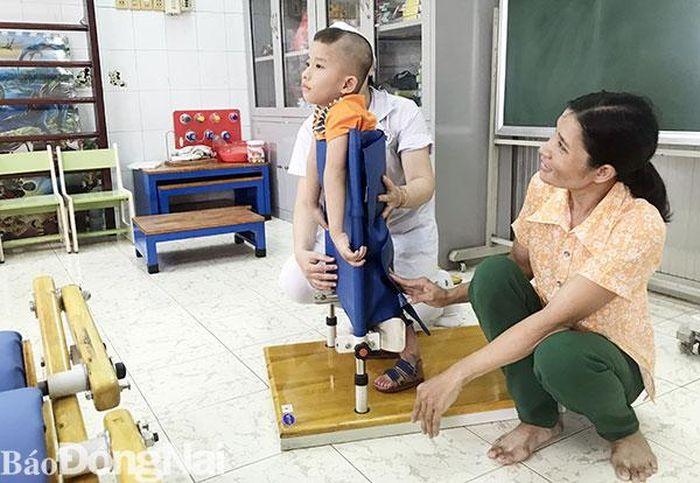 Cậu bé 4 tuổi có nguy cơ bị liệt