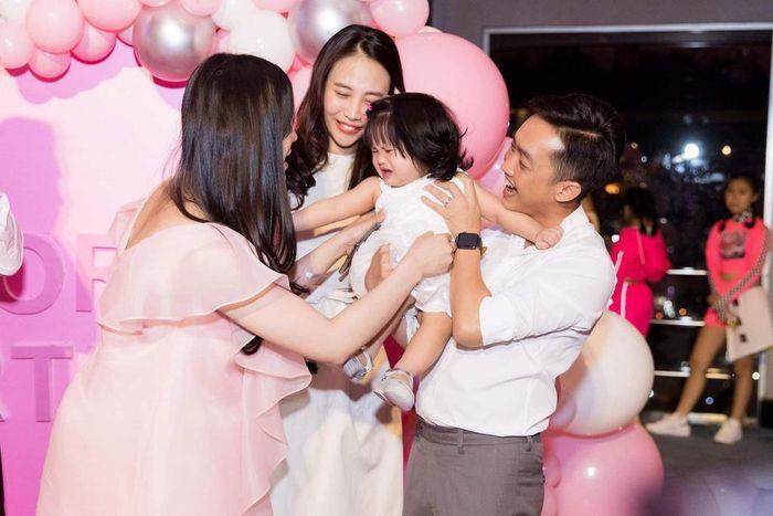 Cường Đô La - Đàm Thu Trang mong sớm sinh con như nhóm bạn thân
