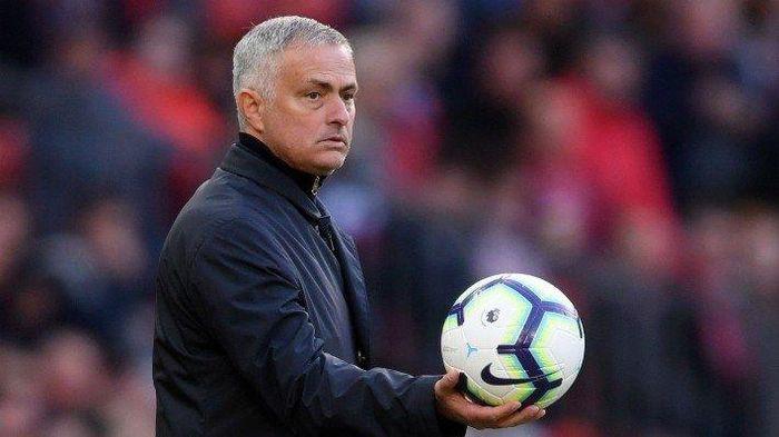 Huấn luyện viên Mourinho yêu cầu đổi mục tiêu