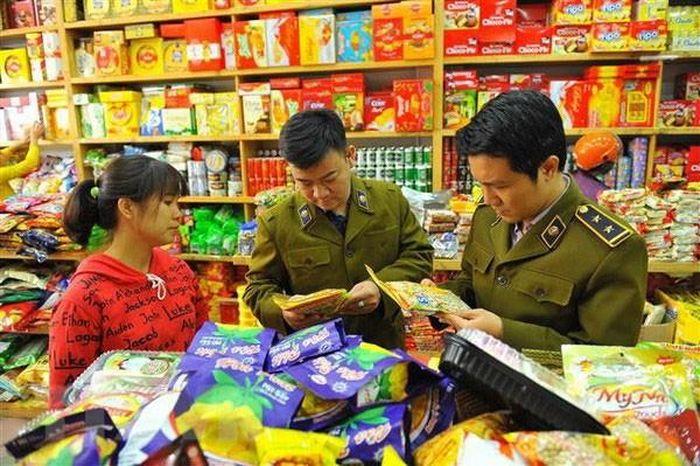 Những mẹo 'bỏ túi' để lựa chọn được thực phẩm an toàn dịp Tết - Báo An Ninh Thủ Đô