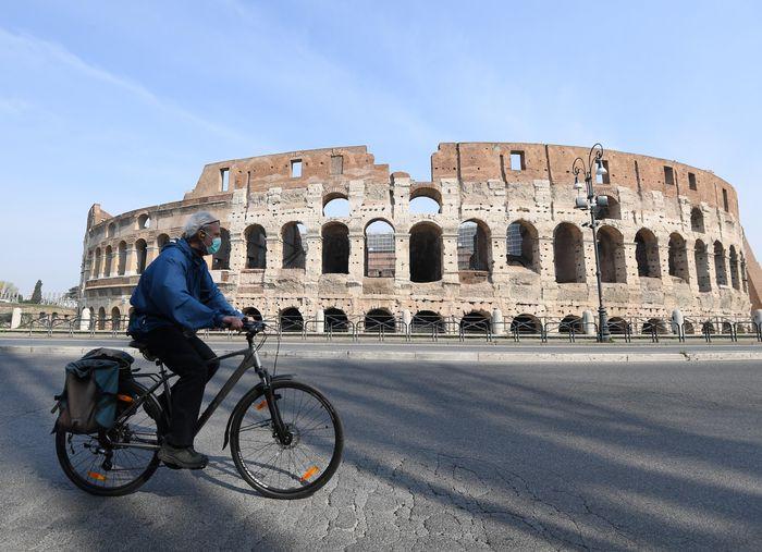 Italy tren 6.000 nguoi tu vong vi COVID-19, gan gap doi Trung Quoc