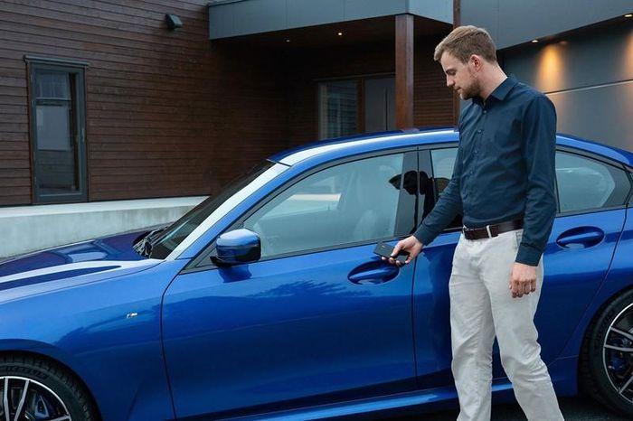 BMW sẽ cho khởi động xe ô tô bằng iPhone