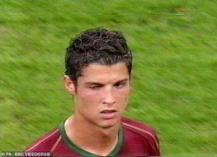 Rooney lên tiếng vụ bị Ronaldo chơi khăm và nhận thẻ đỏ ở World Cup 2006