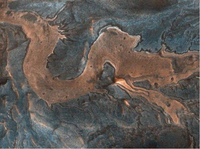 Rồng ẩn mình trong hẻm núi cao trên Sao Hỏa?